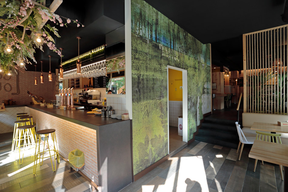 Ni Subo Ni Bajo - Tapería - Restaurante