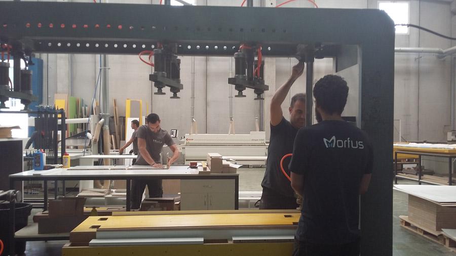 MORFUS equipamiento comercial y mobiliario a medida